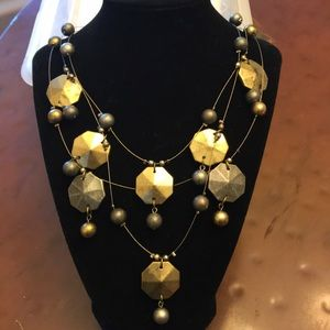 Jewelry - Boutique 3-tiered necklace